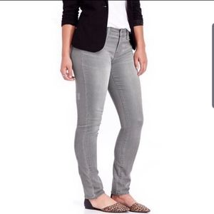 Old Navy   Curvy Mid-Rise Jeans